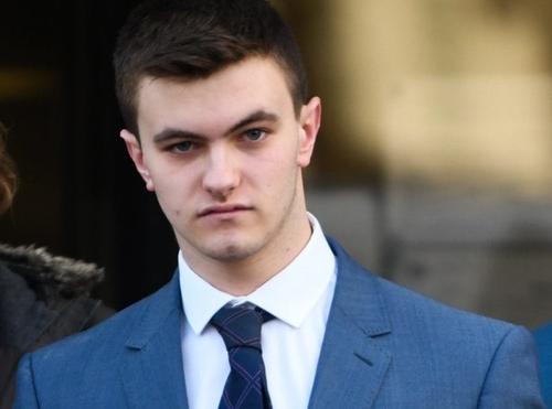 Bị cáo ở Anh được miễn án tù nhờ nhắn tin chuẩn ngữ pháp