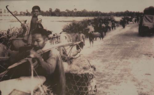 Người dân huyện Bảy Núi, An Giang sơ tán vào năm 1978.