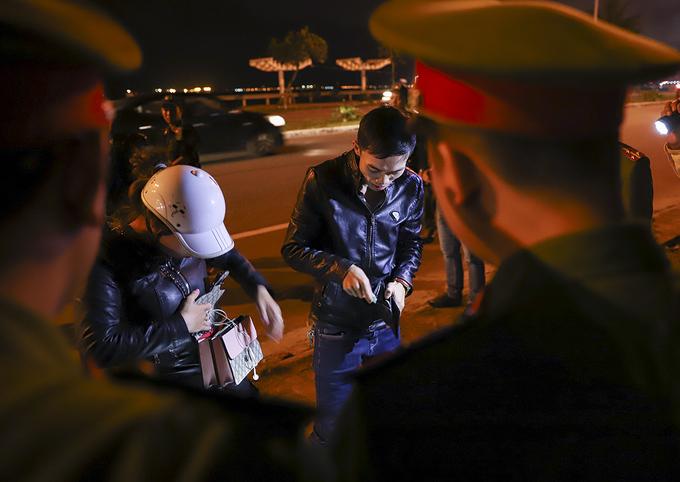 Cảnh sát 911 Đà Nẵng trấn áp tội phạm trên đường phố