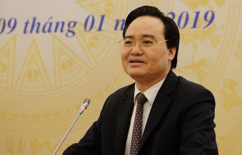 Bộ trưởng Giáo dục và Đào tạo Phùng Xuân Nhạ nêu tầm quan trọng của việcchuẩn bị giáo viên cho chương trình giáo dục phổ thông mới tại hội nghị ngày 9/1. Ảnh: Quỳnh Trang.
