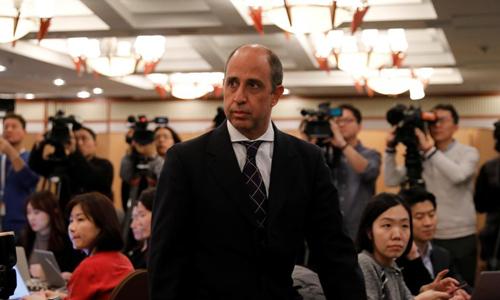 Tomas Quintana, báo cáo viên của Liên Hợp Quốc về nhân quyền Triều Tiên, tham dự buổi họp báo ở Seoul, Hàn Quốc hôm nay. Ảnh: Reuters.