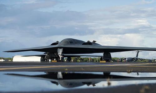 Oanh tạc cơ chiến lược B-2 tại căn cứ hỗn hợp Trân Châu Cảng-Hickam, tháng 8/2018. Ảnh: US Air Force.
