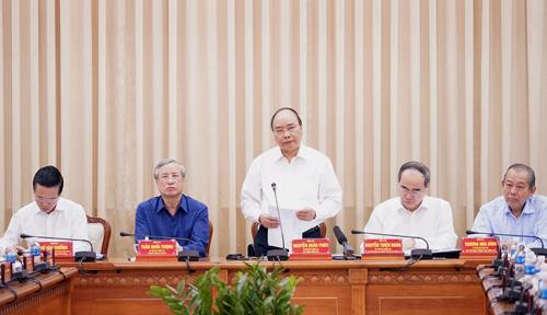 Thủ tướng Nguyễn Xuân Phúc phát biểu tại buổi làm việc. Ảnh: Trung Sơn
