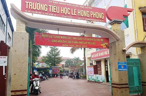 Trường tiểu học Lê Hồng Phong, quận Ngô Quyền (Hải Phòng) là một trong 2 trường tiểu học trên địa bàn quận cho các học sinh có lực học chưa tốt nghỉ 3 ngày ở nhà để cho các thầy cô giáo thi giáo viên giỏi. Ảnh: P.Đ