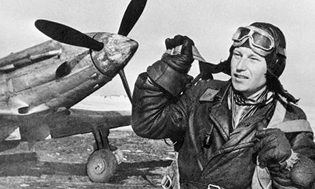 Phi công ba lần nhận danh hiệu Anh hùng Liên Xô  Alexander Pokryshkin