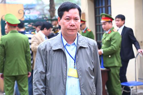 Toà truy trách nhiệm Giám đốc Bệnh viện Hoà Bình - ảnh 1