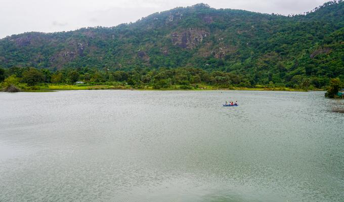 Hồ nước nổi tiếng với món gà đốt ở An Giang
