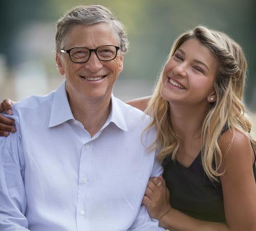 Bill Gates và con gái Phoebe. Ảnh: Time