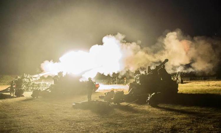 Trực thăng, pháo binh Đài Loan khai hỏa trong tập trận chống đổ bộ