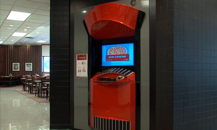 ATM ''rút'' pizza trong ba phút ở Mỹ -