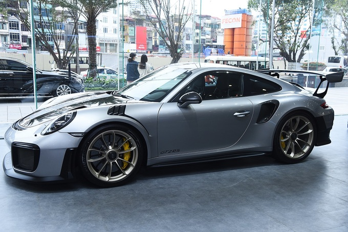911 GT2 RS - chiếc Porsche mạnh nhất giá 22 tỷ