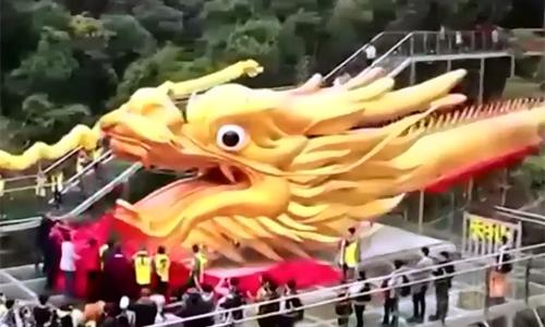 Tượng rồng dài gần 400 m bên sườn núi Trung Quốc lập kỷ lục thế giới