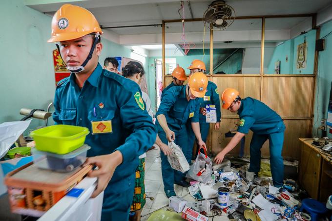 Hàng trăm người trong chung cư nghiêng ở Sài Gòn di dời khẩn cấp