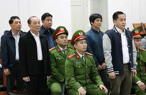 Cựu thứ trưởng công an Bùi Văn Thành bị phạt 30 tháng tù