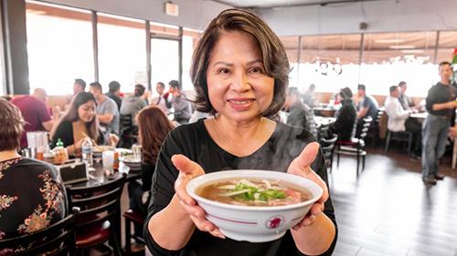 Bà Mai Trần, thành viên gia đình chủ nhà hàng Phở 79. Ảnh: OC Register