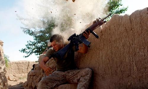 Lính Mỹ giao chiến với Taliban tại tỉnhHelmand, Afghanistan năm 2008. Ảnh: Reuters.