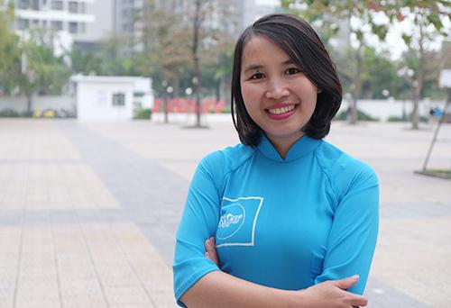 Cô Trần Thị Thuý - giáo viên dạy tiếng Anh tại trường THPT Đức Hợp (xã Đức Hợp, huyện Kim Động, tỉnh Hưng Yên). Ảnh: Quỳnh Trang.