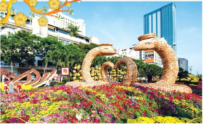 12 con giáp trên đường hoa Nguyễn Huệ qua các năm