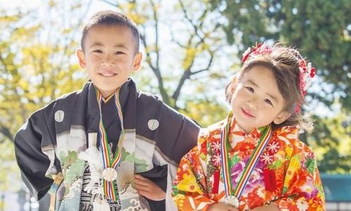 Lễ Shichi-go-san thường được tổ chức cho bé gái lúc 3 và 7 tuổi, bé trai lúc 5 tuổi. Ảnh: All About Japan