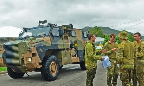 Xe quân đội điều triển khai. Ảnh: Townsville.