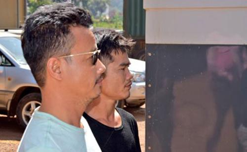 Hai nghi phạm Việt bị giới chức Uganda bắt giữ hôm 31/1. Ảnh: Daily Monitor
