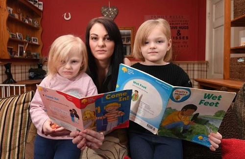 Bà mẹ Anh cho hai con nghỉ học vì bị bắt nạt ở trường - ảnh 1