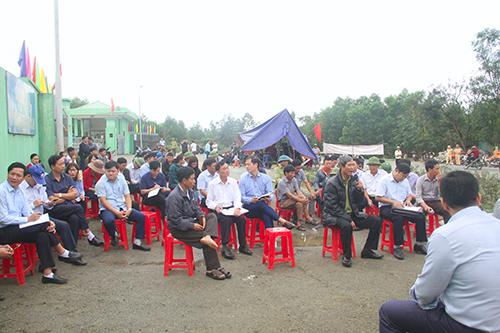 Chủ tịch huyện ở Hà Tĩnh xin lỗi vì ruồi từ bãi rác bay vào nhà dân - ảnh 1