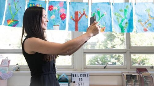 Giáo viên Australia khoe ảnh phòng học qua Instagram - ảnh 2