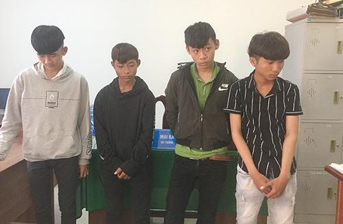 Nhóm thanh niên nhiều lần giật túi xách của du khách ở Hội An - ảnh 1