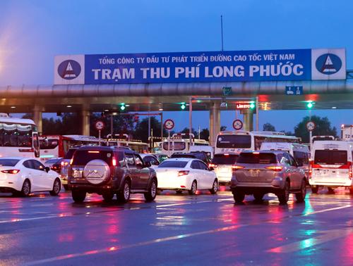 Trạm thu phí Long Phước có doanh thu lớn nhất trên toàn tuyến. Ảnh: Quỳnh Trần.
