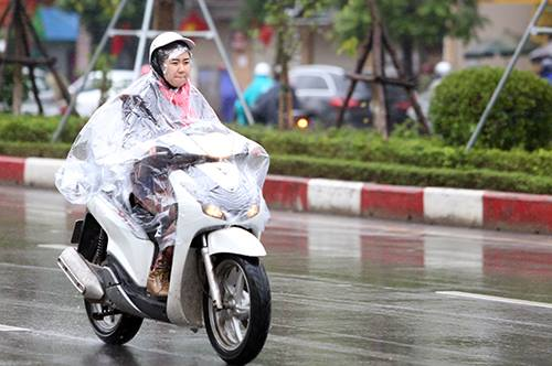 Hà Nội có mưa từ tối thứ bảy 16/2. Ảnh: Ngọc Thành