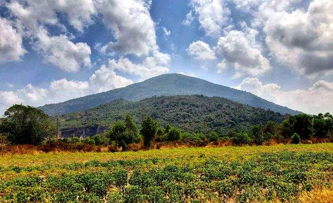 Khách hành hương ùn ùn viếng núi Bà Đen