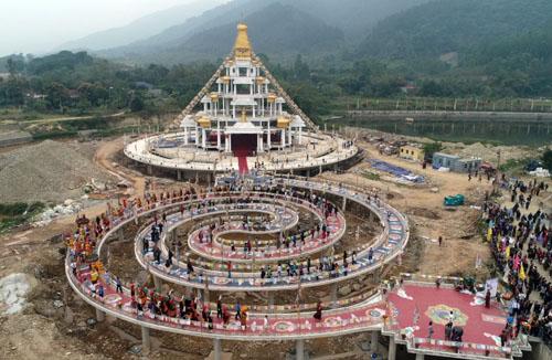 Cầu Đại Lạc Kim Cương Mandala. Ảnh: Tất Định