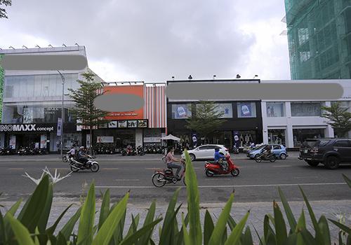 Nhà đất số 57 Lê Duẩn đang được cho nhiều hãng thời trang thuê. Ảnh: Nguyễn Đông.