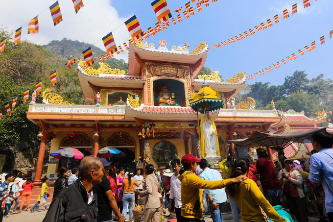 Ngôi chùa 300 năm trên núi Bà Đen
