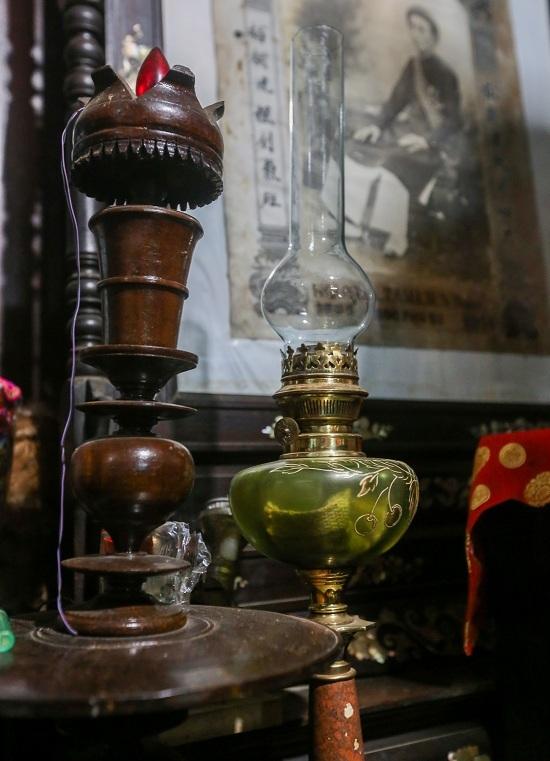 Ngôi nhà 120 năm lưu giữ nhiều đồ cổ ở Tây Ninh