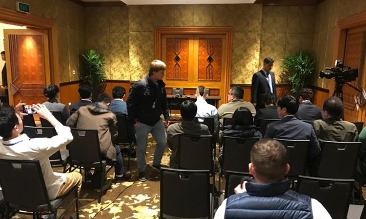 Quang cảnh buổi họp báo tại khách sạn Melia, Hà Nội của phái đoàn Triều Tiên. Ảnh: Giang Huy.