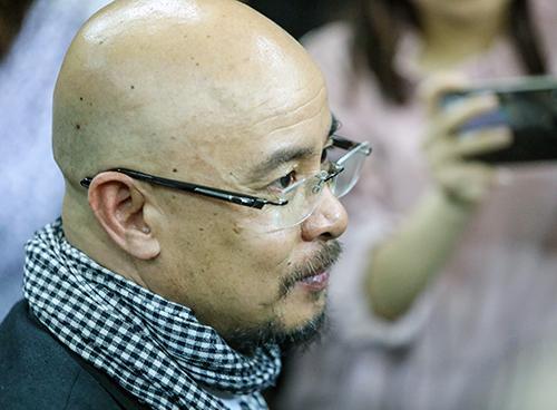 Ông Vũ cho biết nhiều năm nay ông không quan tâm đến số tiền vợ chồng kiếm được để trong ngân hàng. Ảnh: Thành Nguyễn.