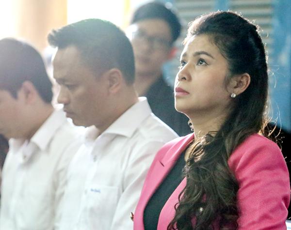 Bà Thảo nghe quan điểm của VKS hôm 25/2. Ảnh: Thành Nguyễn.