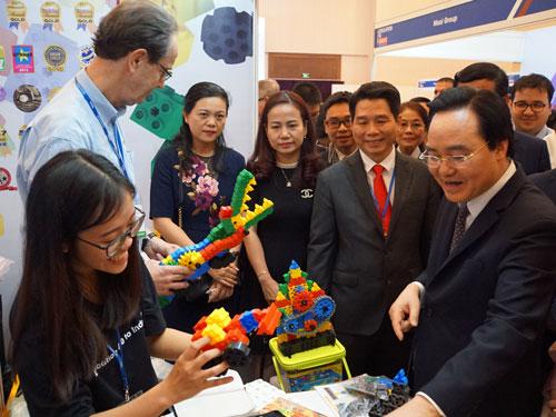 Một gian hàng triển lãm công nghệ giáo dục quốc tế BESS Việt Nam 2019. Ảnh: Mạnh Tùng.
