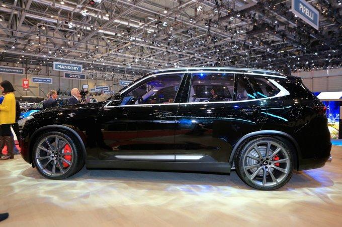 VinFast Lux V8 - SUV hiệu suất cao thương hiệu Việt