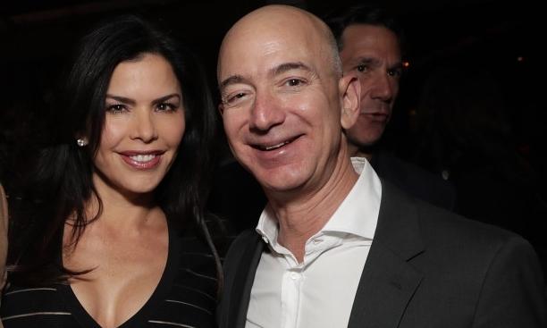 Jeff Bezos từng bí mật đi xem biệt thự 88 triệu USD với người tình -