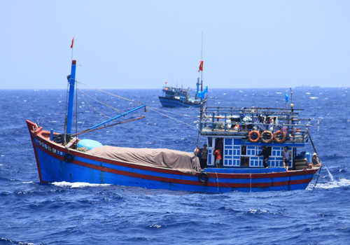 Tàu cá Việt Nam hoạt động trong ngư trường truyền thống. Ảnh minh họa: Nguyễn Đông.