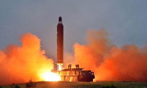 Triều Tiênthử tên lửa Hwasong-10 tại địa điểm không công bốtháng 6/2016. Ảnh: KCNA.