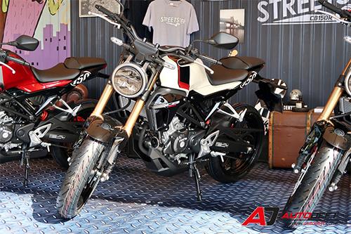 Honda CB150R 2019 ra mắt tại Thái Lan, cạnh tranh Yamaha MT-15.