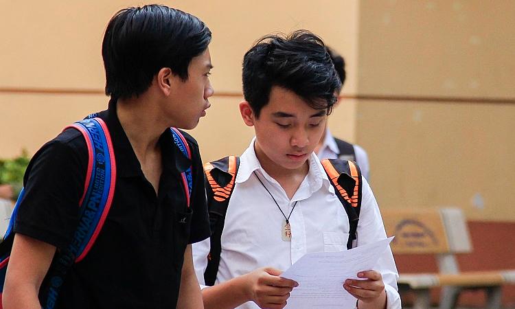 Học sinh Hà Nội lo lắng, tính học thêm Sử để thi vào lớp 10 -
