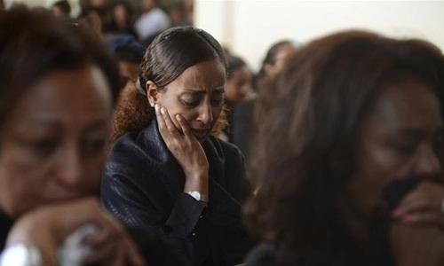 Đám tang của một nạn nhân thiệt mạng trong vụ rơi máy bay Ethiopia ngày 10/3. Ảnh: AP.