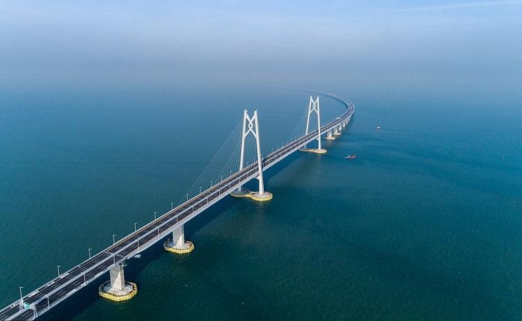 Cầu vượt biển dài nhất thế giới. Ảnh: Getty Images