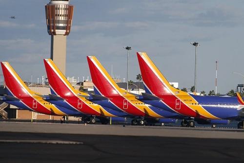 Phi đội Boeing 737 MAX 8 của hãng  Southwest Airlines, Mỹtại sân bay quốc tế Phoenix Sky Harbor hôm 13/3. Ảnh: AFP.