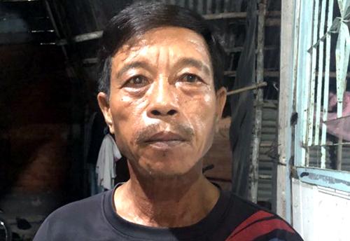 Ông Phạm Văn Bò, người may mắn thoát chết trong vụ sập công trình. Ảnh: Cửu Long.
